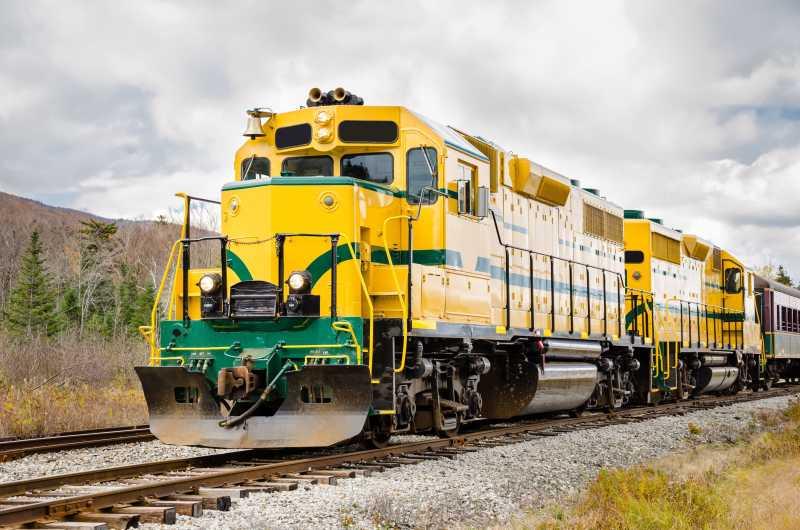 黄色的货运火车