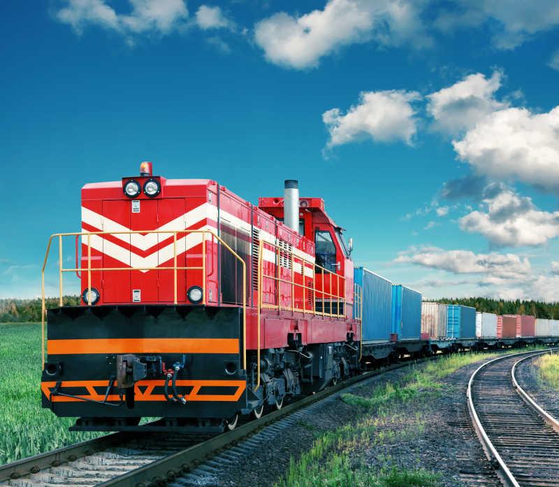 红色货运火车