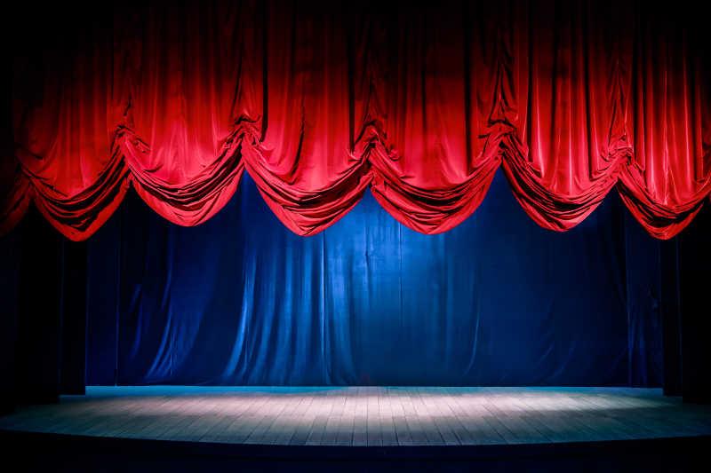 舞台幕布和舞台灯光