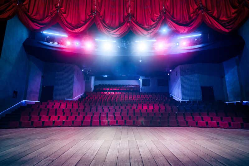 大剧院舞台幕布和灯光