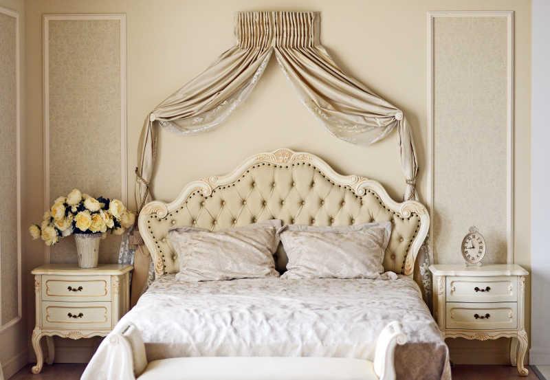 豪华床浪漫风格的卧室设计