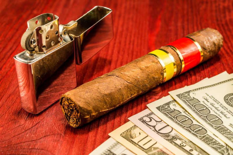 雪茄美元和打火机