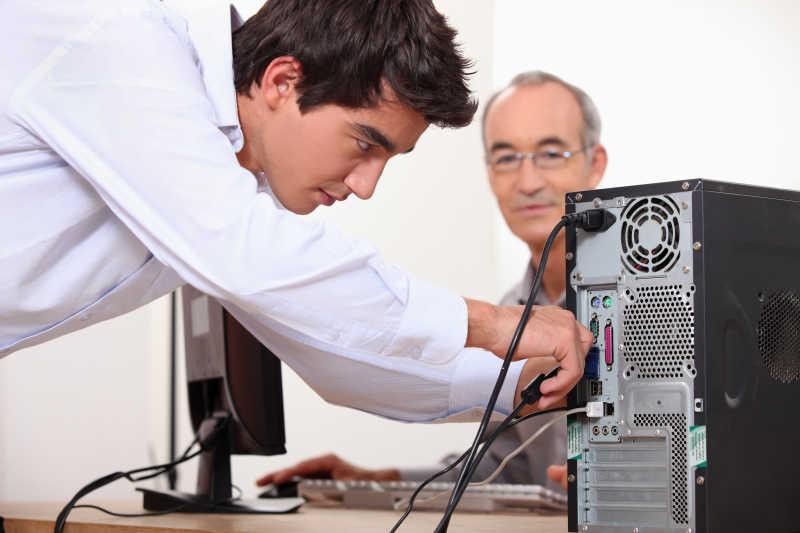 修理电脑的人