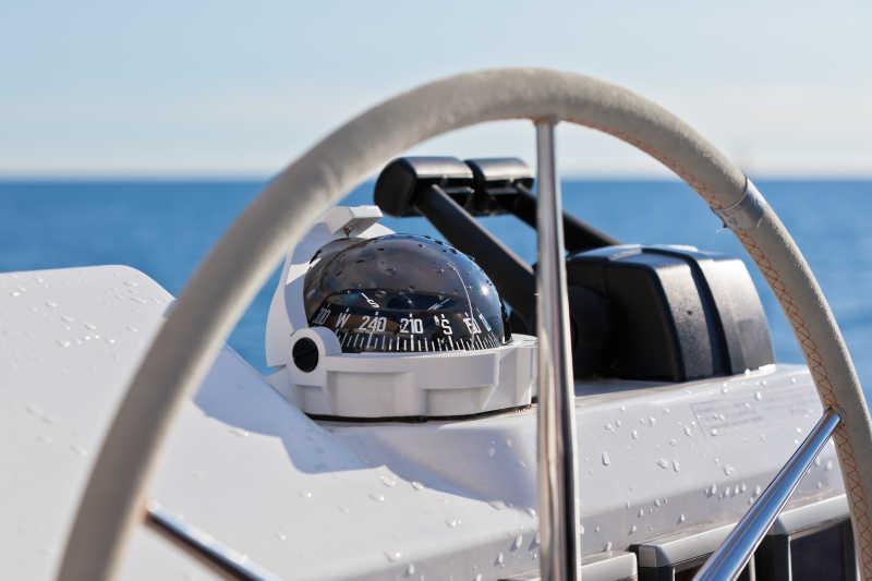 帆船操纵轮及执行器