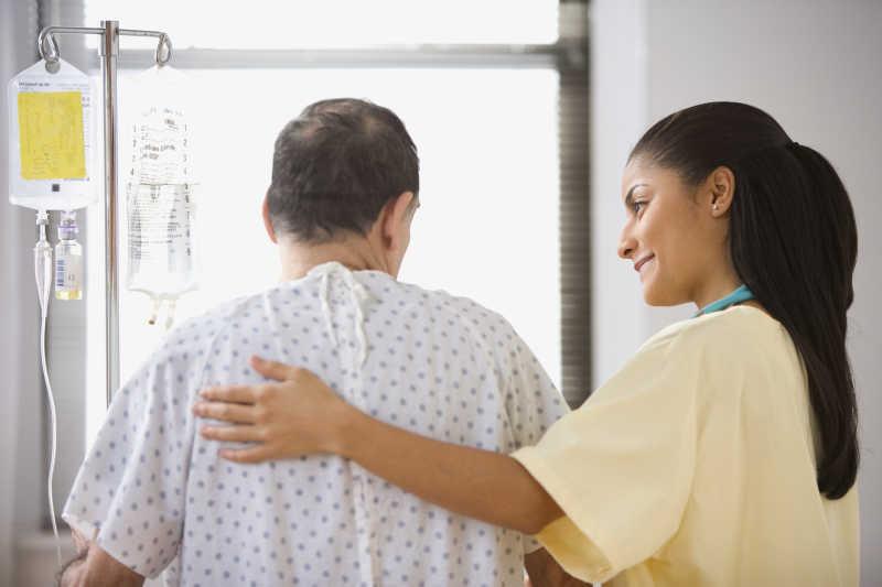 欧美病人和大夫16p_医生图片-医院走廊里的三个医生素材-高清图片-摄影照片-寻图 ...