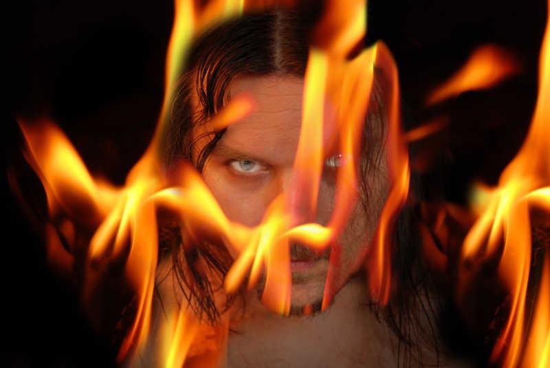 火焰燃烧中的恶魔