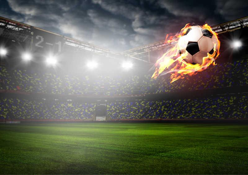 球场上的足球