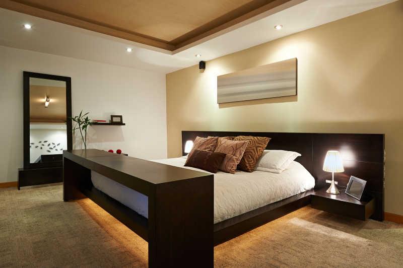 简约大气的现代卧室设计