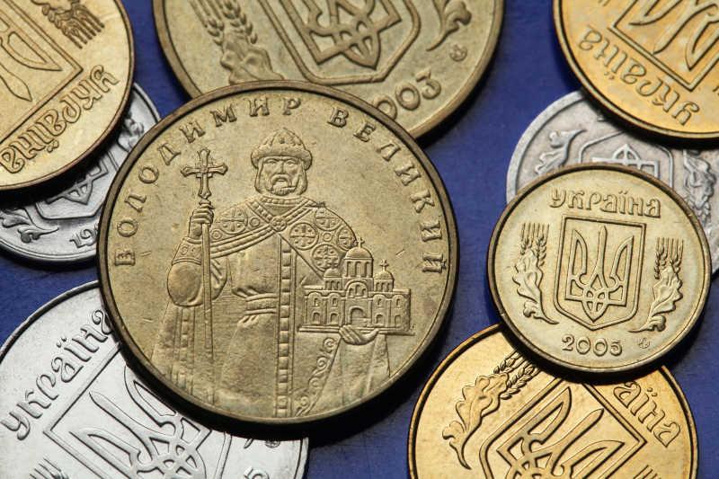乌克兰钱币伟大的Saint Vladimir在乌克兰格里夫纳币描绘一基辅大王子举行的什一教堂规模模型