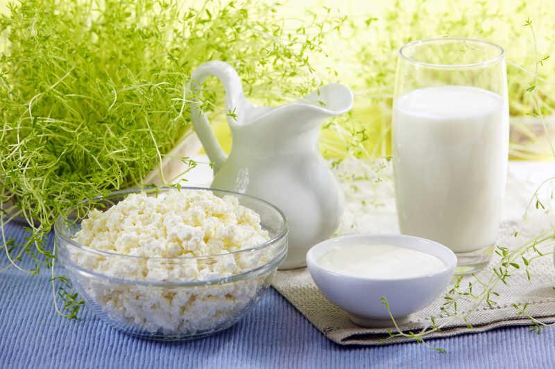 牛奶和爆米花