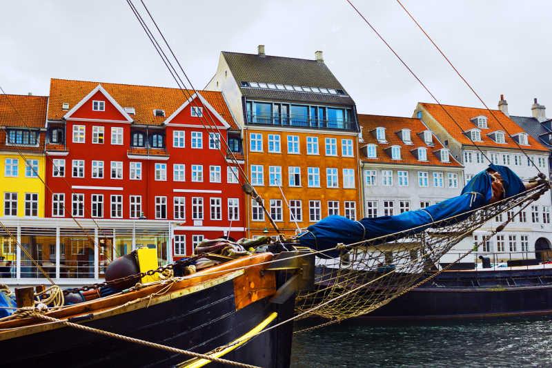 哥本哈根河边景色