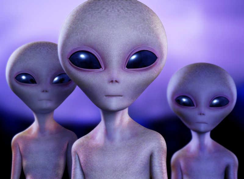三个长相呆萌的外星人