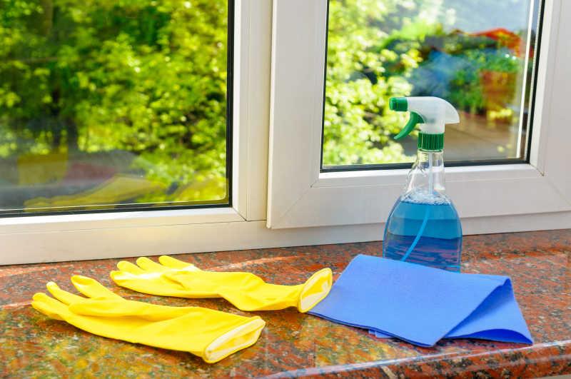 清洁窗户的准备条件