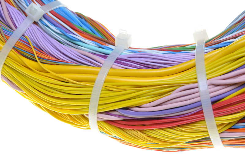 捆绑着的电缆