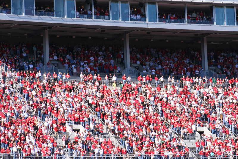 球迷看台观众