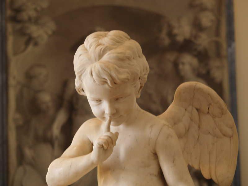 天使的翅膀雕像