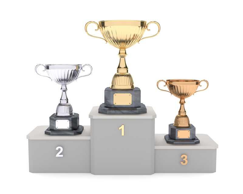 领奖台上的金银铜三色奖杯