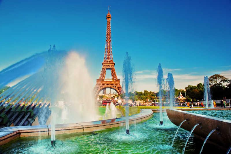 埃菲尔铁塔与喷泉