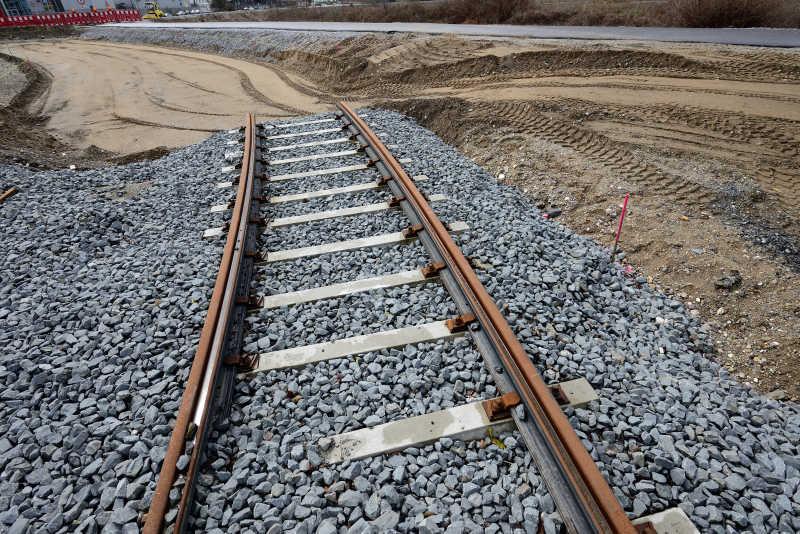 修建中的铁路