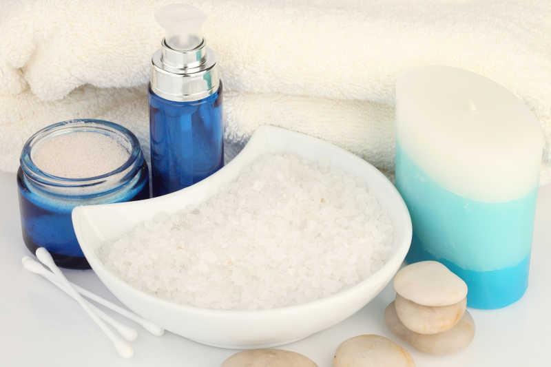 女性皮肤护理和按摩所需物品