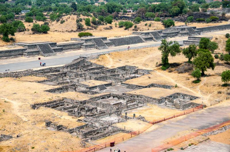 特奥蒂瓦坎金字塔遗址