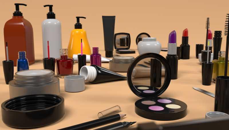 桌上的化妆品集