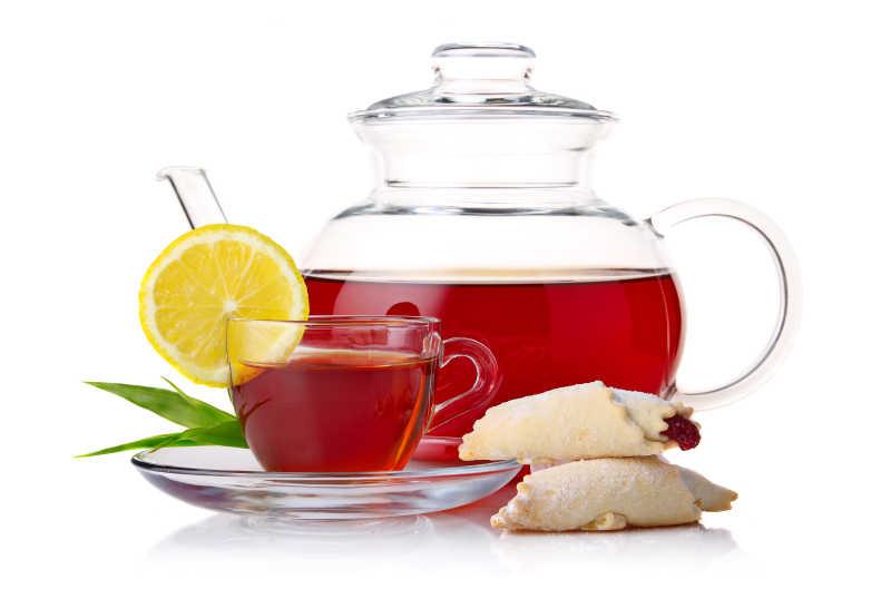 装有红茶的玻璃茶壶