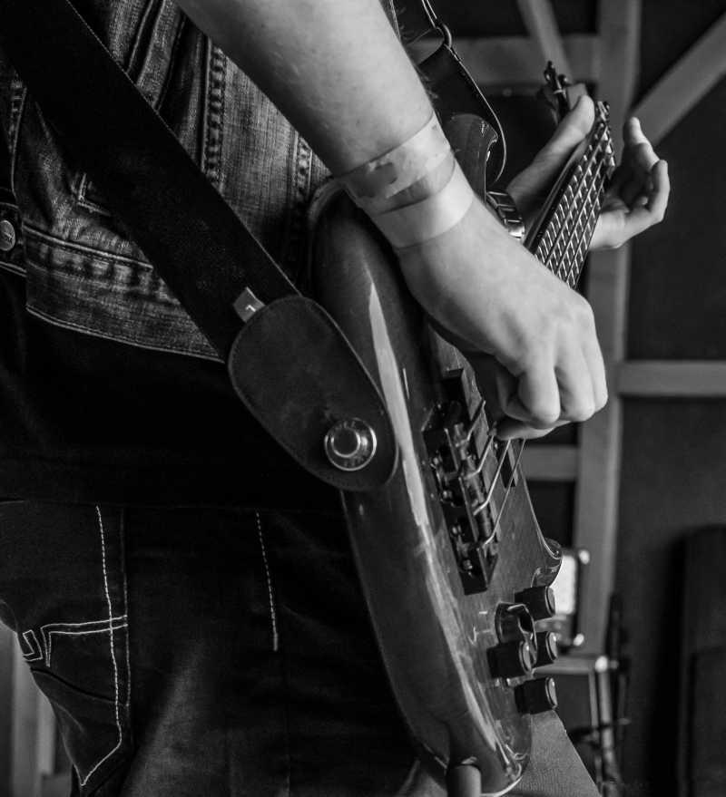 音乐会上的吉他手