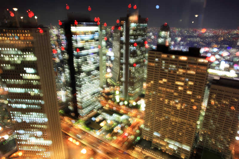 夜幕下美丽的东京城市
