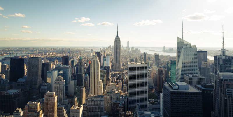 黎明的纽约城市