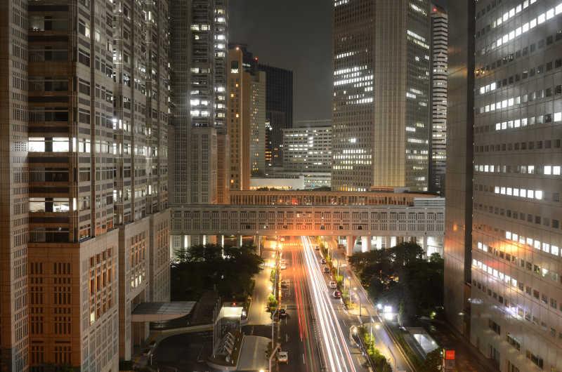 夜晚的东京市政府大楼
