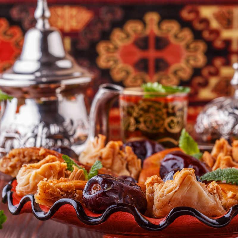 摩洛哥薄荷茶和甜点