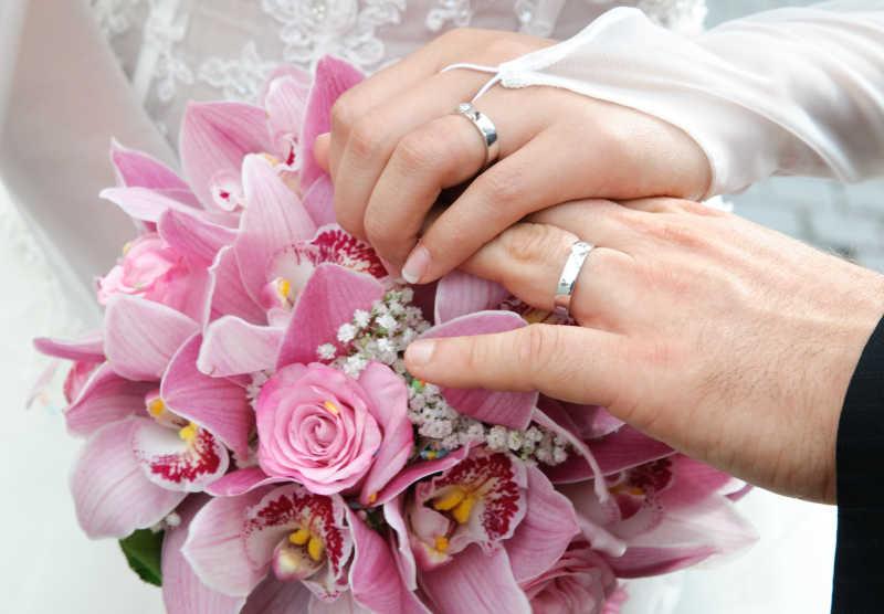新娘捧花与对戒