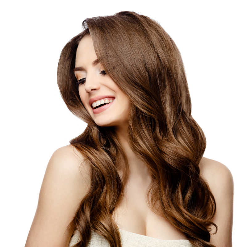 幸福微笑的美丽的女人
