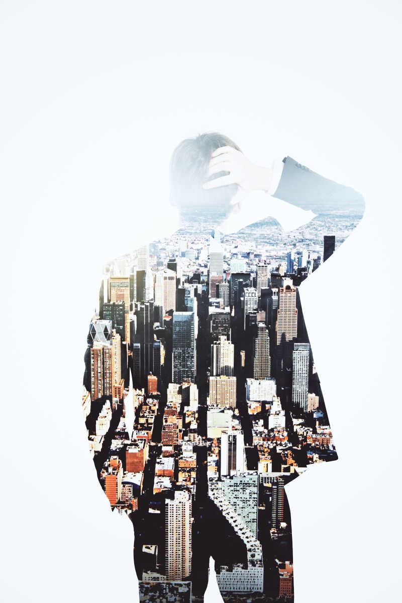 商人与城市建筑双重曝光
