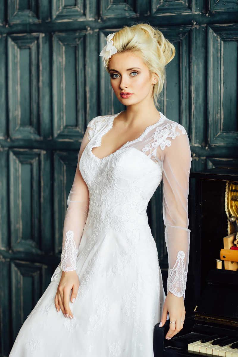 穿着白色婚纱的美丽新娘