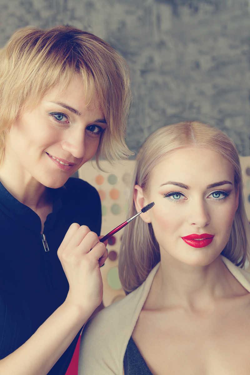 化妆师及模特