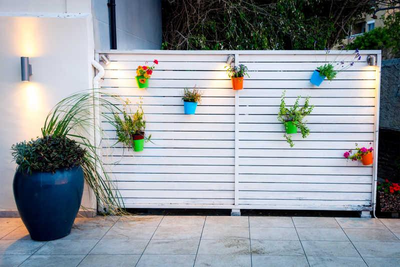 墙面装饰的简约花束