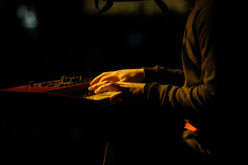 弹奏钢琴的钢琴家