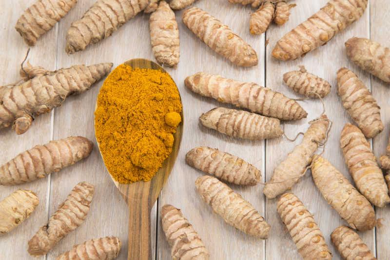 姜黄粉和姜黄根茎
