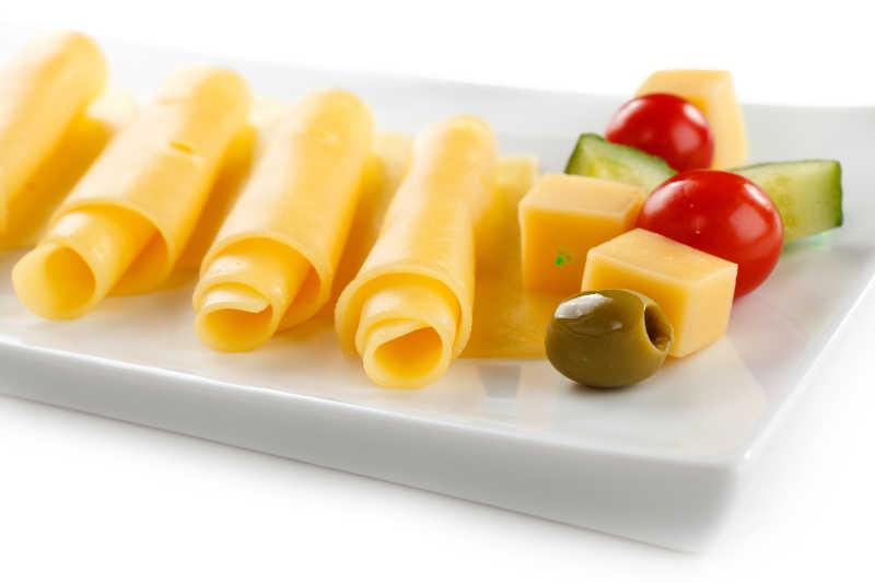 奶酪卷和蔬菜
