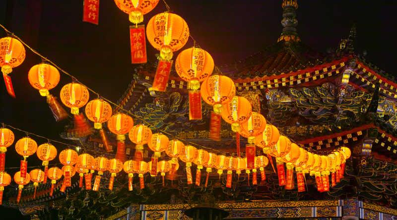 中华街的明亮灯笼