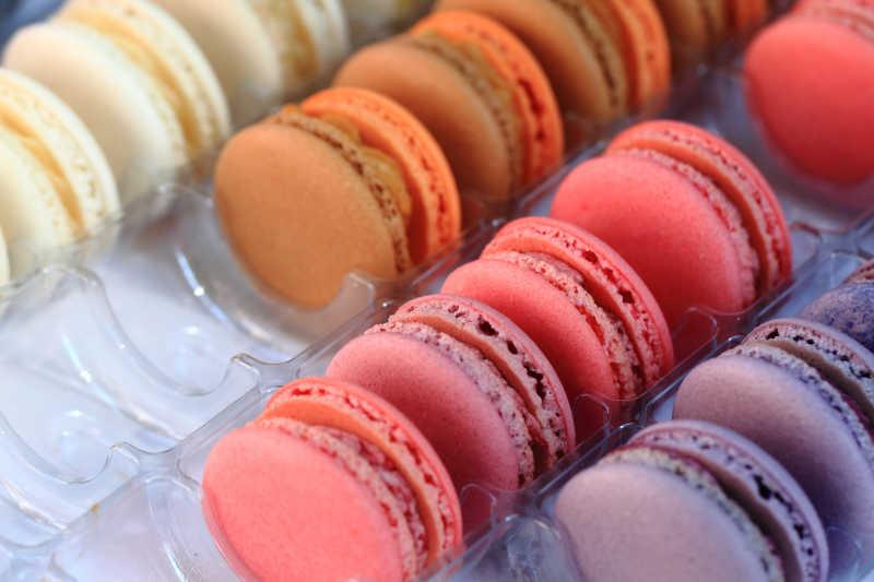 颜色很漂亮的蛋白杏仁甜饼甜食背景
