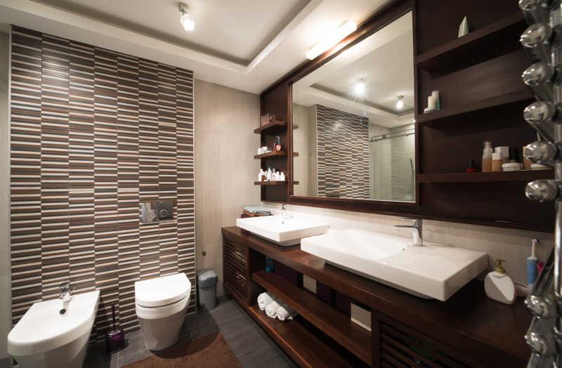 时尚简约的浴室内