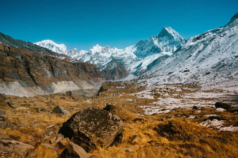 喜马拉雅山脉冒险