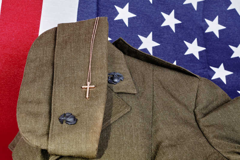 美国国旗和士兵制服
