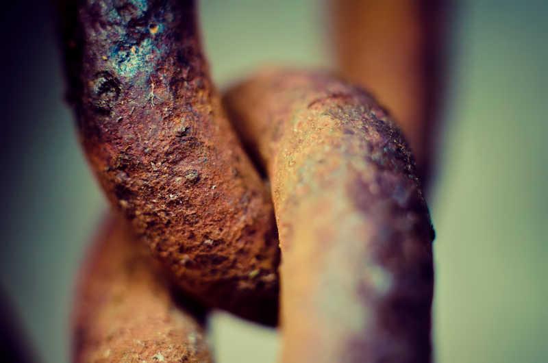 生锈的金属铁链