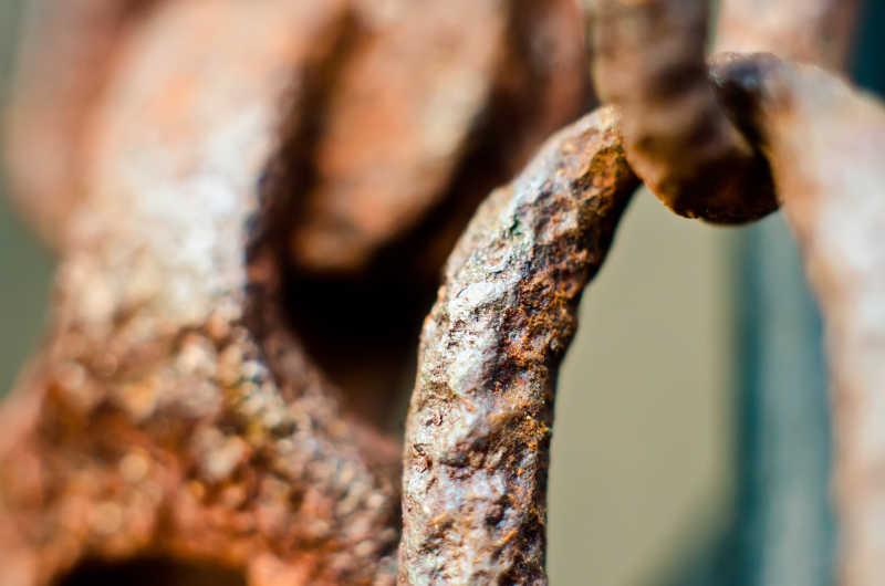 生锈的铁链