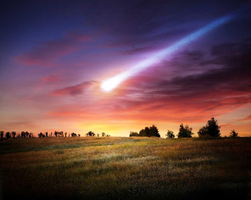 明亮的陨石