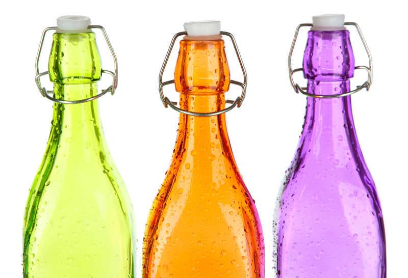 3个彩色瓶子